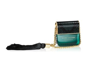 Marc Jacobs Decadence 50 ml bottle white background2
