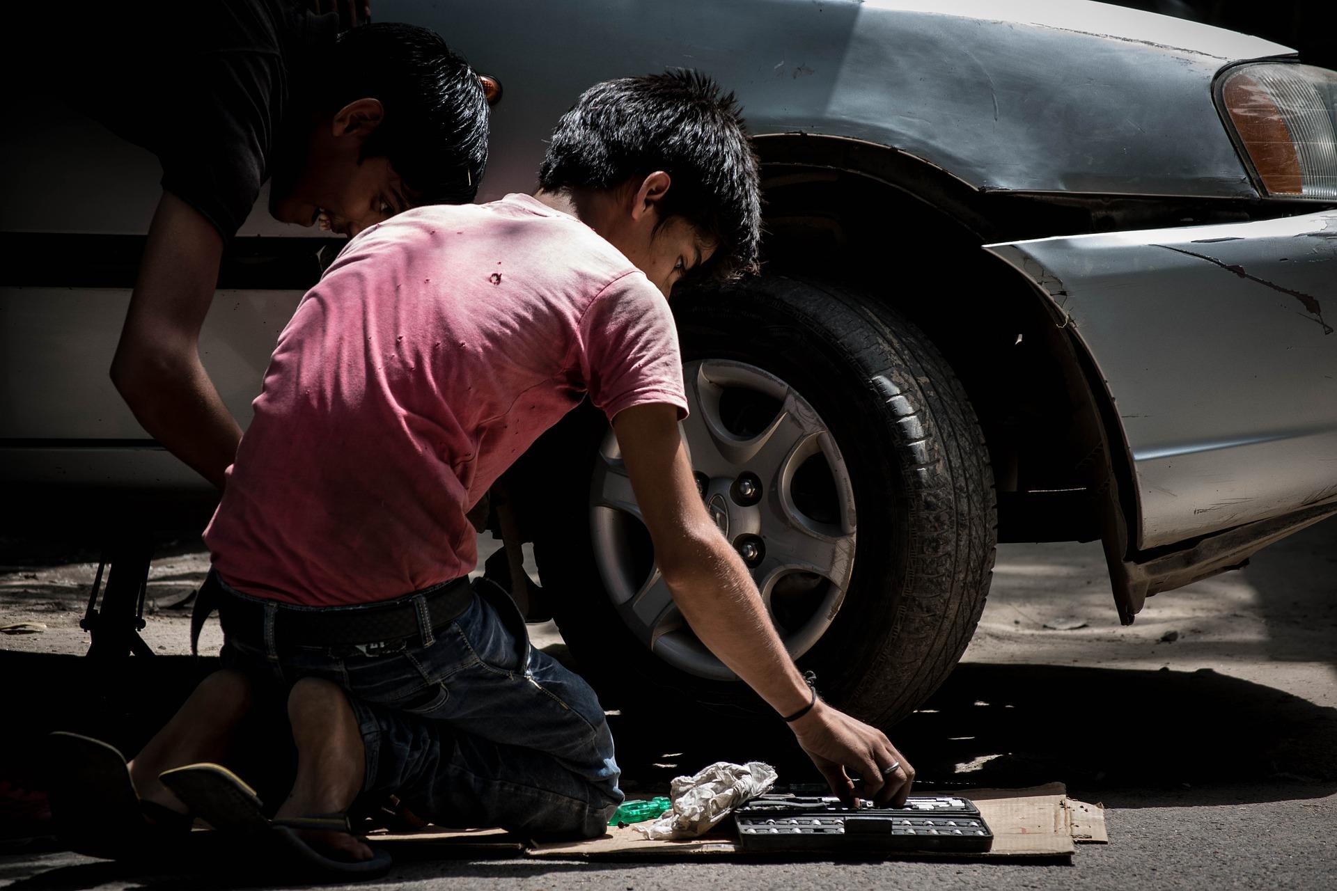child-labor-934893_1920